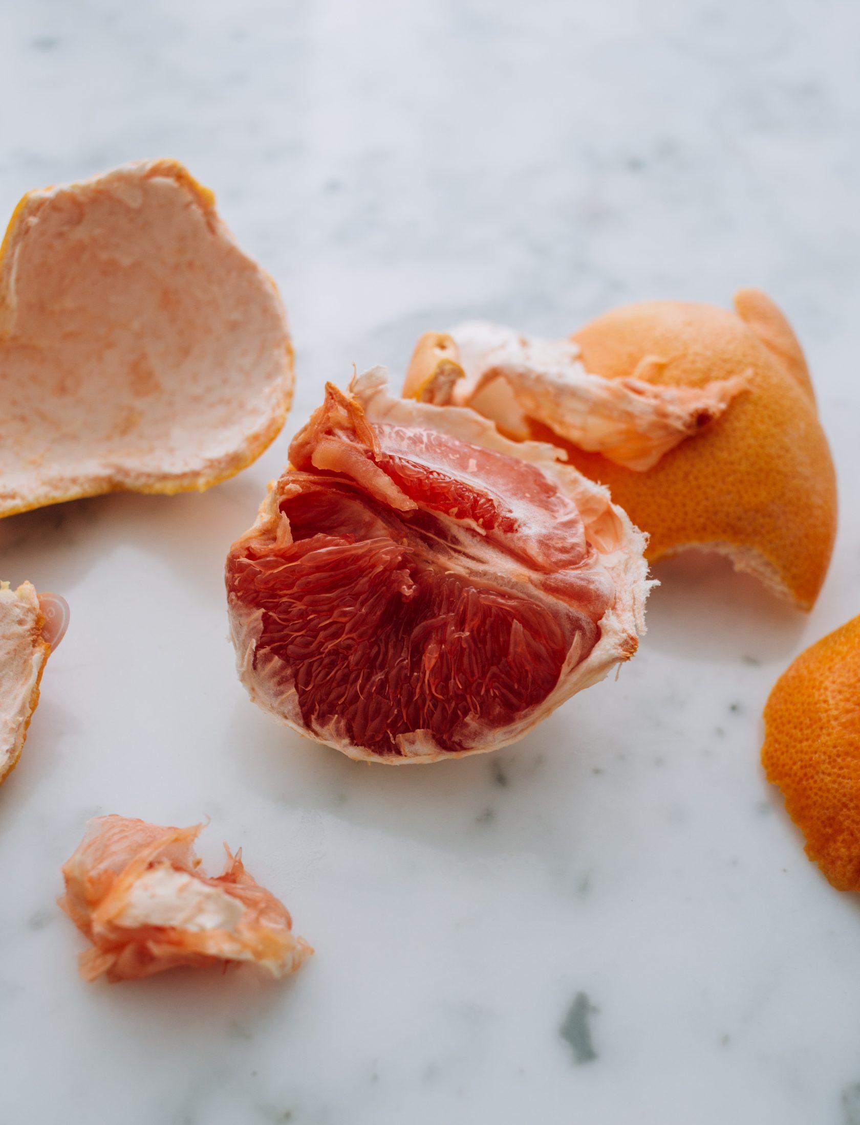 Grapefruit gezond? Dat rode fruit met die zure smaak was niet mijn favoriet. Echter is dat in de laatste jaren veranderd en dat heeft een paar redenen >