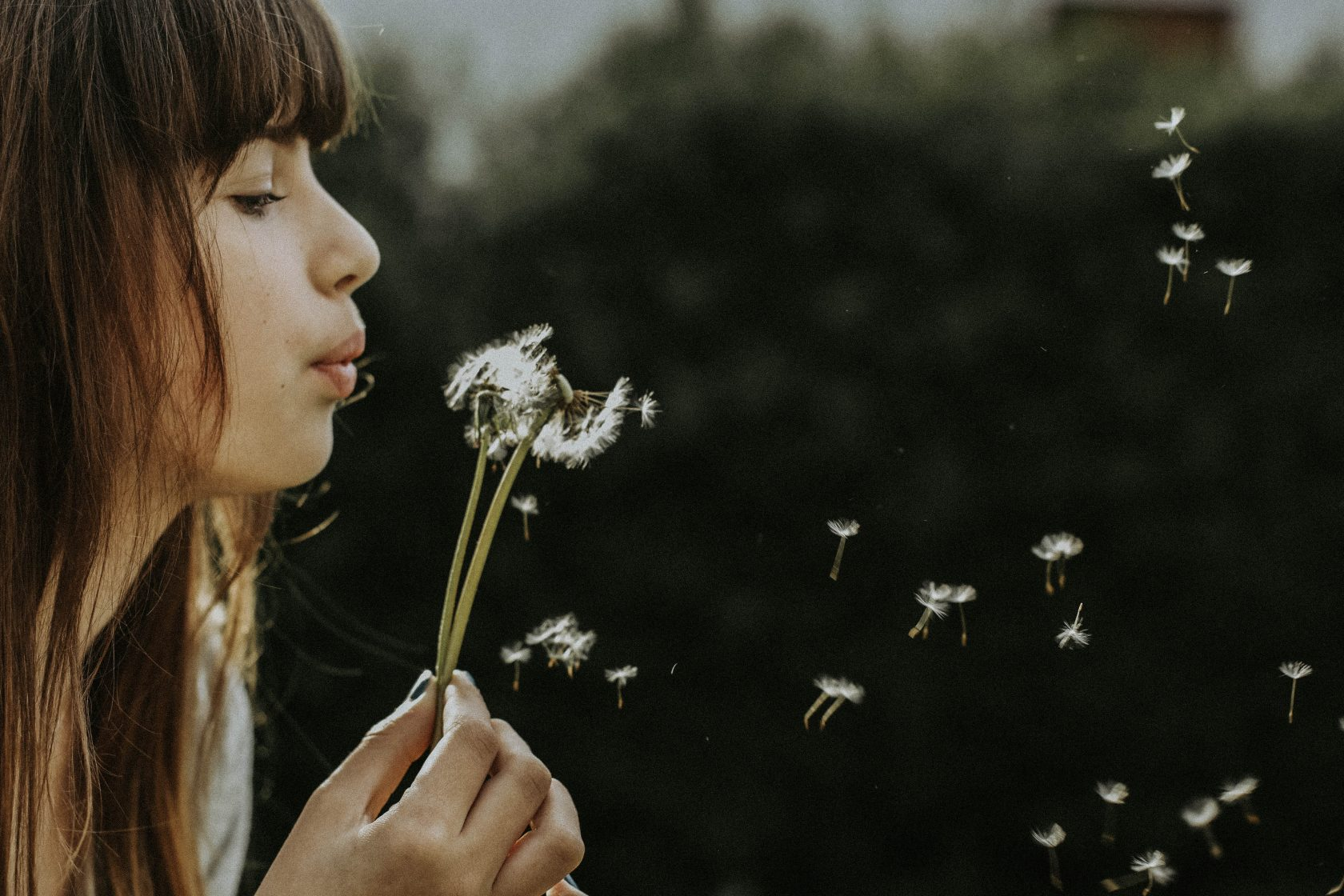Stress kan je zelf reduceren door goed uit te ademen. Met deze ademhalingsoefeningen voor stress vermindering kan je zelf aan de gang >